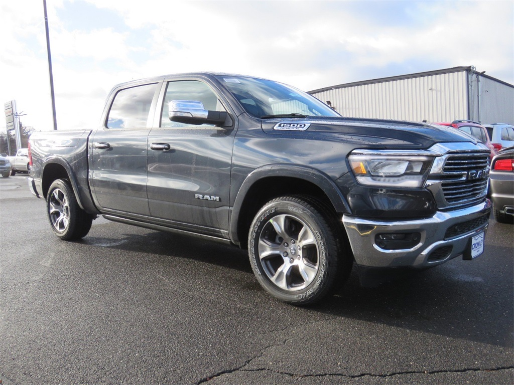 2019 Ram 1500 Crew Cab 4x4,  Pickup #19C0454 - photo 3