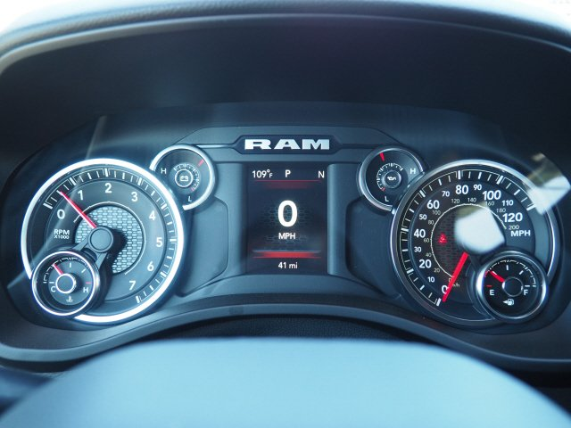 2020 Ram 1500 Crew Cab 4x2, Pickup #D01126 - photo 10