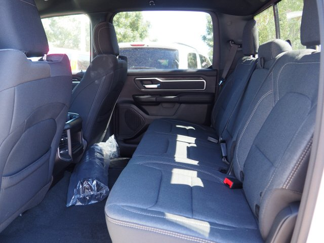 2020 Ram 1500 Crew Cab 4x2, Pickup #D01126 - photo 6