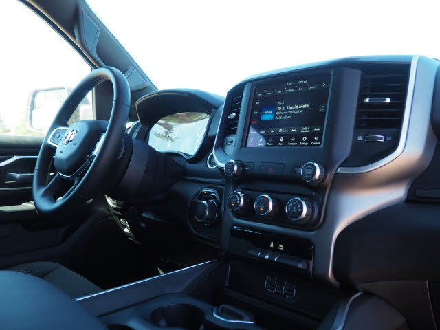 2020 Ram 1500 Crew Cab 4x2, Pickup #D01130 - photo 8