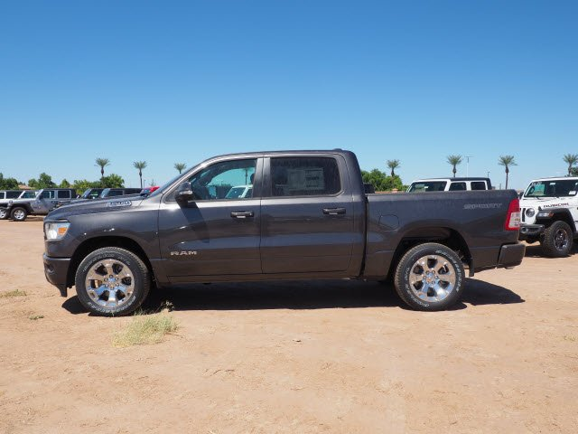 2020 Ram 1500 Crew Cab 4x2, Pickup #D01131 - photo 4