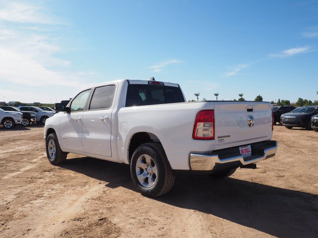 2020 Ram 1500 Crew Cab 4x2, Pickup #D01338 - photo 1