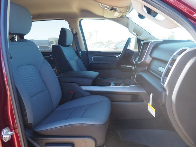 2020 Ram 1500 Crew Cab 4x2, Pickup #D01396 - photo 7