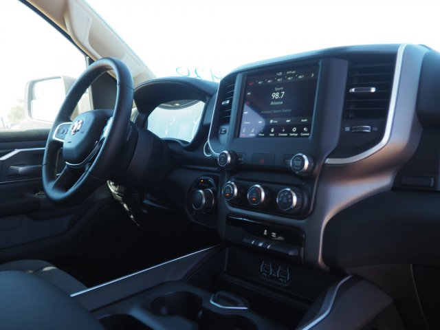 2020 Ram 1500 Crew Cab 4x2, Pickup #D01396 - photo 8