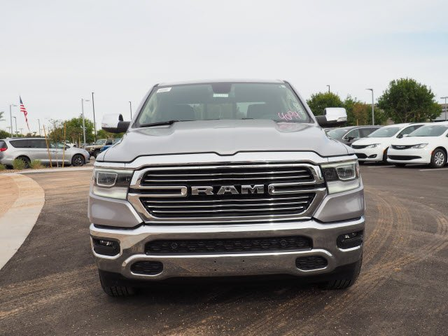 2020 Ram 1500 Crew Cab 4x2, Pickup #D01403 - photo 3