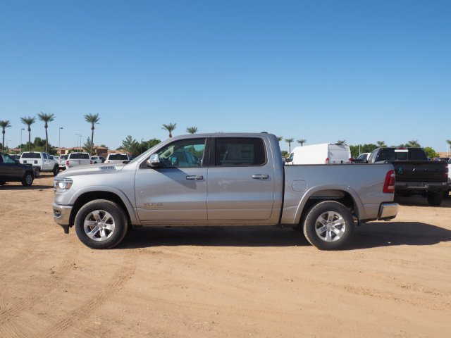 2020 Ram 1500 Crew Cab 4x4, Pickup #D01556 - photo 4