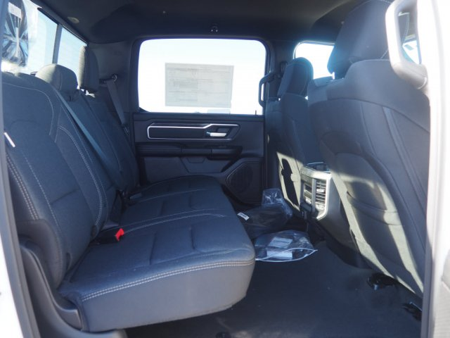 2020 Ram 1500 Crew Cab 4x4, Pickup #D01833 - photo 9