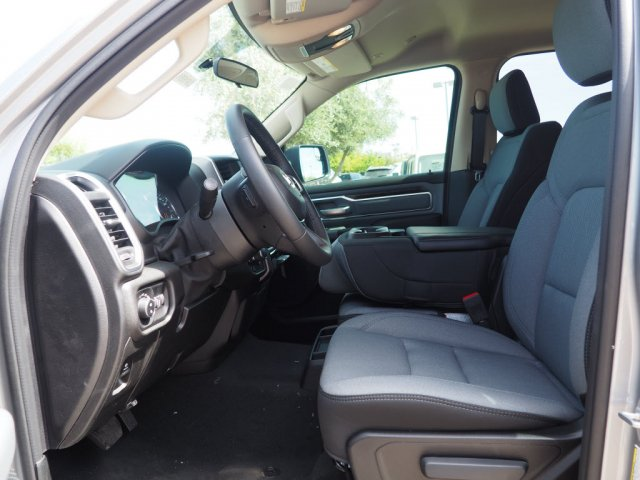 2019 Ram 1500 Crew Cab 4x4,  Pickup #D91651 - photo 6