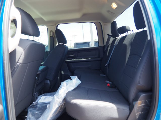 2019 Ram 1500 Crew Cab 4x2,  Pickup #D92230 - photo 7