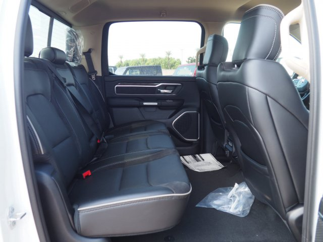 2019 Ram 1500 Crew Cab 4x2,  Pickup #D92984 - photo 9