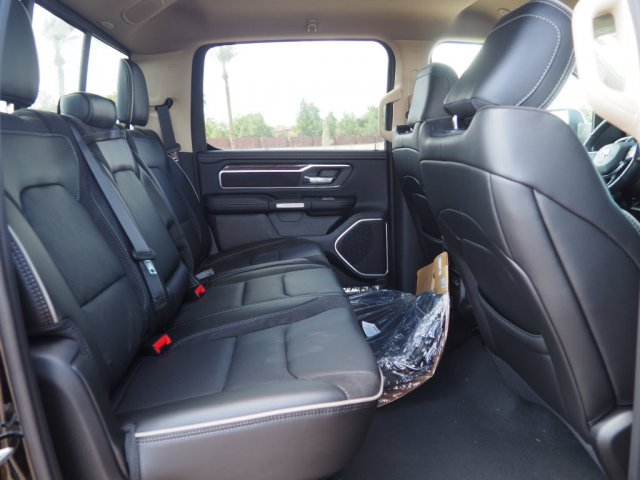 2019 Ram 1500 Crew Cab 4x4, Pickup #D93046 - photo 9
