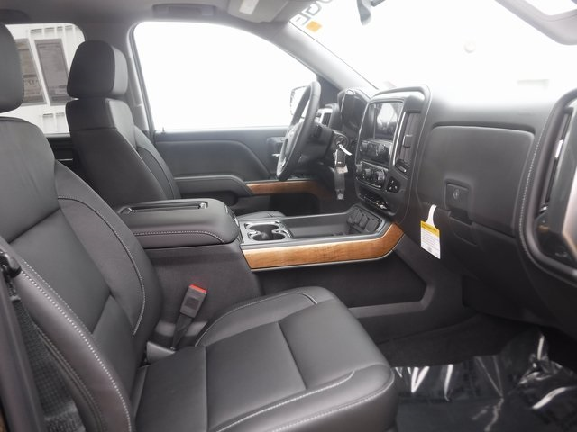 2018 Silverado 1500 Crew Cab 4x4,  Pickup #D4500 - photo 32