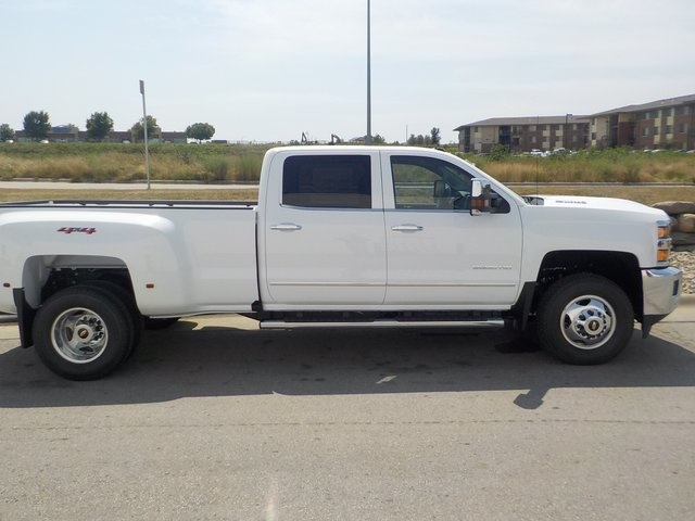 2019 Silverado 3500 Crew Cab 4x4,  Pickup #D4926 - photo 3