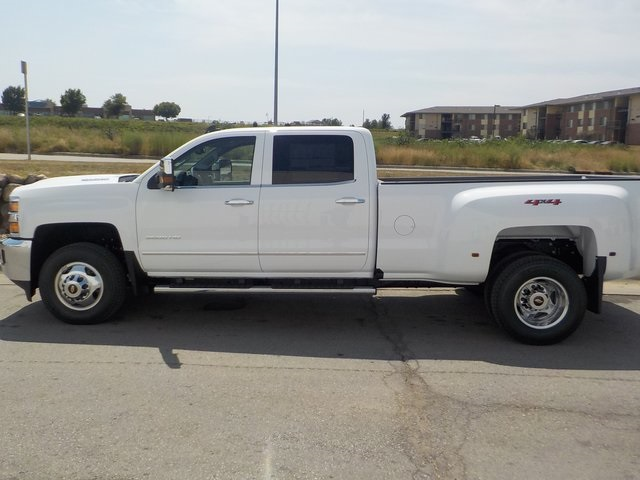 2019 Silverado 3500 Crew Cab 4x4,  Pickup #D4926 - photo 9