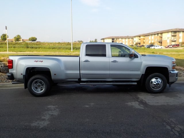 2019 Silverado 3500 Crew Cab 4x4,  Pickup #D5041 - photo 3
