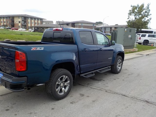 2019 Colorado Crew Cab 4x4,  Pickup #D5132 - photo 2