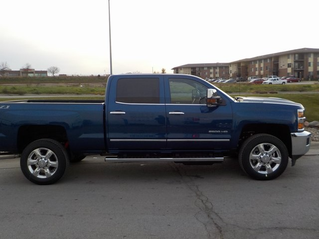 2019 Silverado 2500 Crew Cab 4x4,  Pickup #D5223 - photo 3