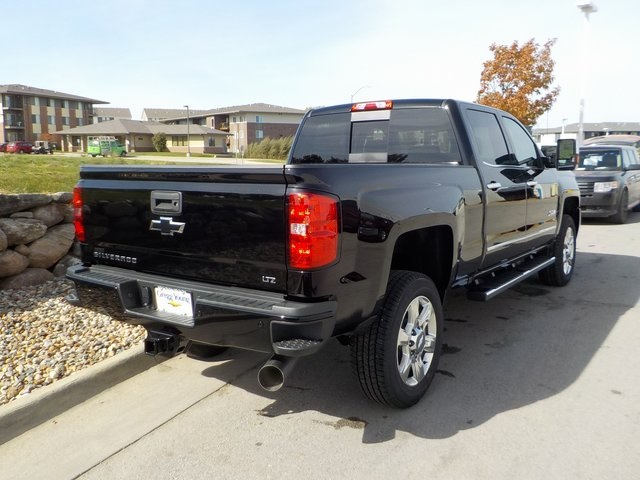 2019 Silverado 2500 Crew Cab 4x4,  Pickup #D5285 - photo 2