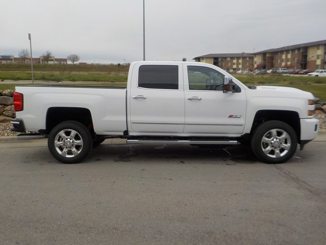 2019 Silverado 2500 Crew Cab 4x4,  Pickup #D5286 - photo 3
