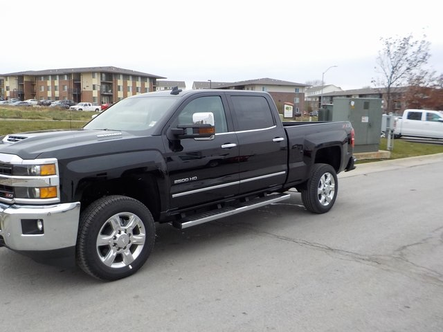 2019 Silverado 2500 Crew Cab 4x4,  Pickup #D5385 - photo 11