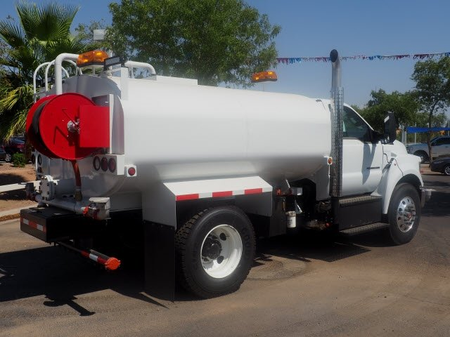 2018 F-750 Regular Cab DRW 4x2,  Maverick Equipment Water Truck #182227 - photo 2