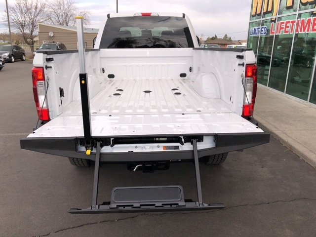 2018 F-350 Crew Cab 4x4,  Pickup #F71747 - photo 8