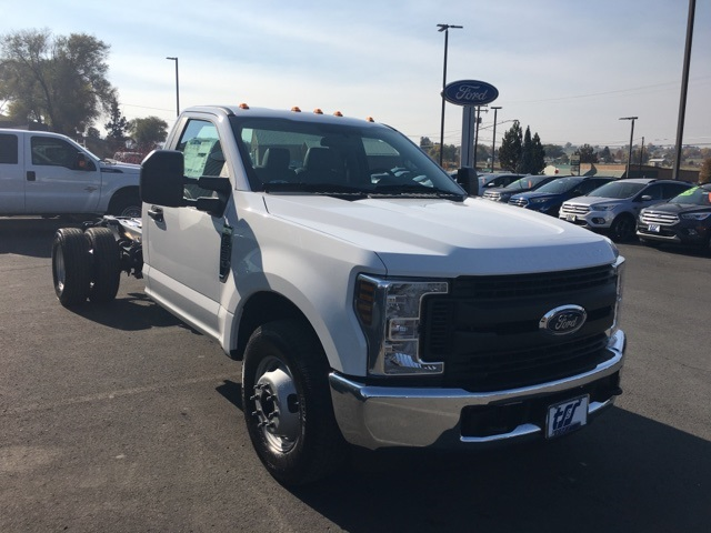 2019 F-350 Regular Cab DRW 4x2,  Cab Chassis #F71886 - photo 4