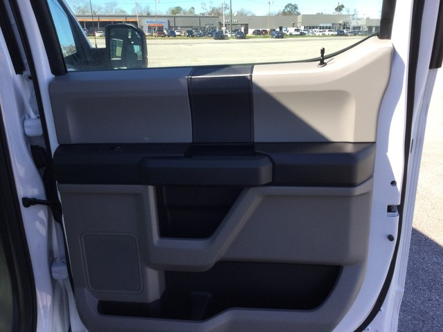 2019 F-150 SuperCrew Cab 4x2,  Pickup #A07161 - photo 30