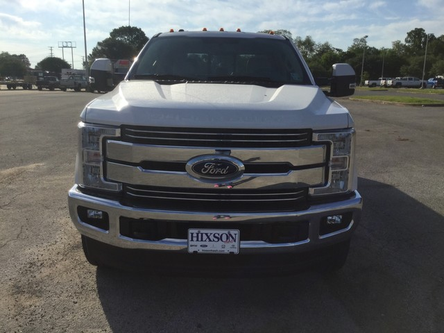 2018 F-250 Crew Cab 4x4,  Pickup #C36272 - photo 3