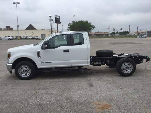 2018 F-350 Super Cab 4x2,  Cab Chassis #C36274 - photo 5