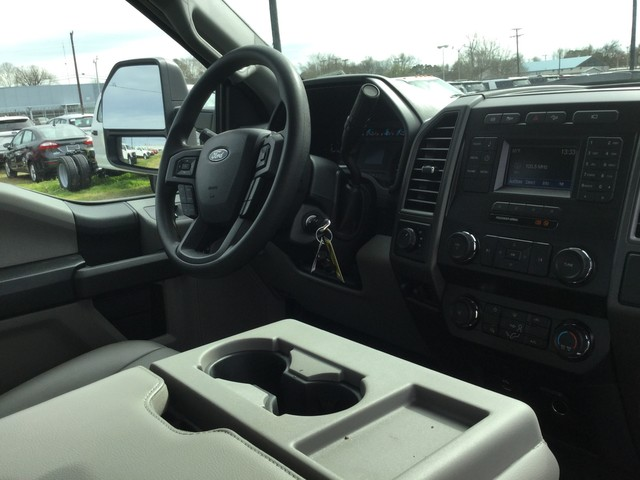 2019 F-250 Crew Cab 4x4,  Pickup #C74278 - photo 29