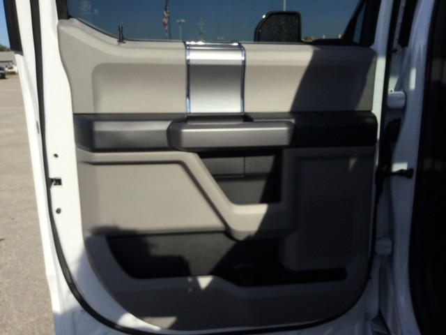 2019 F-250 Crew Cab 4x4,  Pickup #D22716 - photo 26