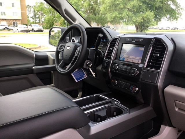 2019 F-150 SuperCrew Cab 4x4,  Pickup #D42514 - photo 31
