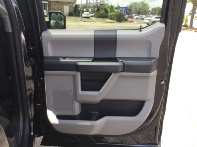 2019 F-150 SuperCrew Cab 4x4,  Pickup #D68365 - photo 30