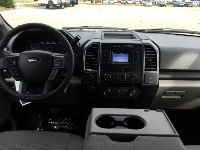 2018 F-150 SuperCrew Cab 4x4,  Pickup #E55584 - photo 26