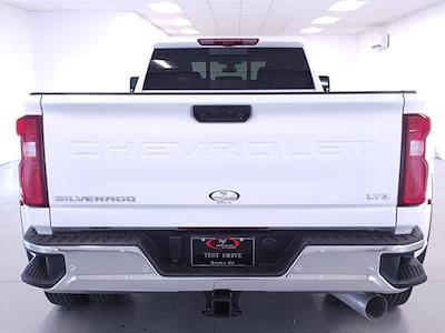 2021 Chevrolet Silverado 3500 Crew Cab 4x4, Pickup #TC012715 - photo 7