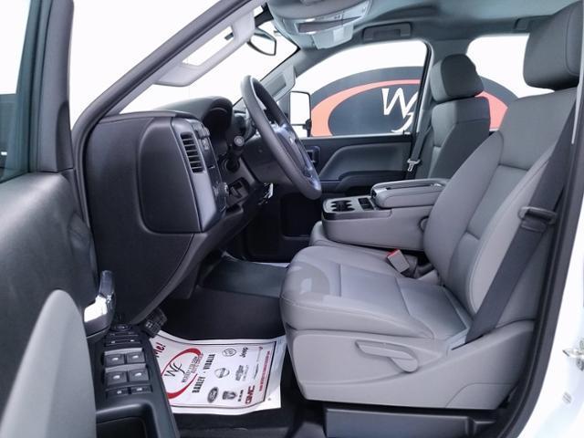 2019 Silverado 3500 Crew Cab DRW 4x2,  CM Truck Beds RD Model Platform Body #TC030595 - photo 9