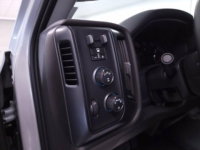 2021 Chevrolet Silverado 5500 Crew Cab DRW 4x4, Cab Chassis #TC031916 - photo 13