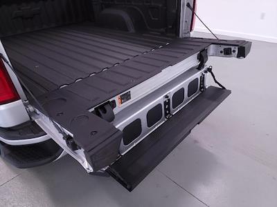 2021 Chevrolet Silverado 1500 Crew Cab 4x4, Pickup #TC041212 - photo 10