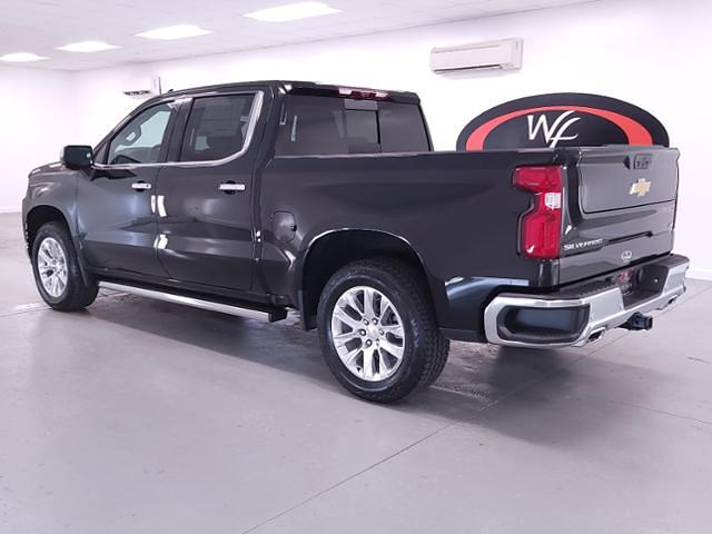 2021 Chevrolet Silverado 1500 Crew Cab 4x4, Pickup #TC042719 - photo 2