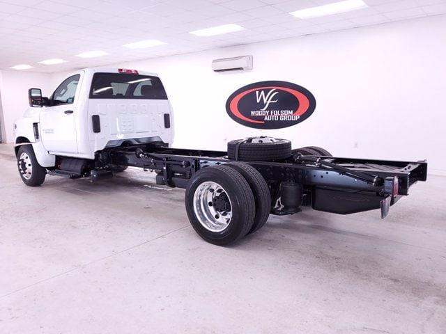 2020 Chevrolet Silverado Medium Duty Regular Cab DRW RWD, Cab Chassis #TC052605 - photo 2