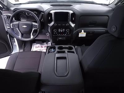 2021 Chevrolet Silverado 1500 Crew Cab 4x2, Pickup #TC052610 - photo 17
