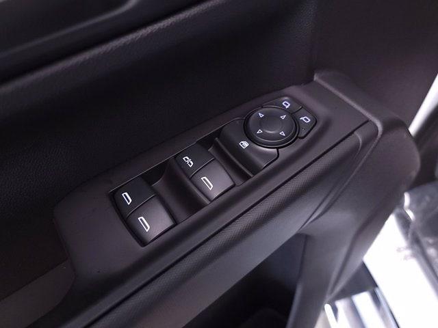 2021 Chevrolet Silverado 1500 Crew Cab 4x4, Pickup #TC052712 - photo 11