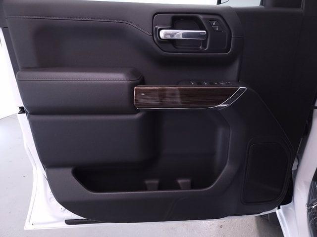 2021 Chevrolet Silverado 1500 Crew Cab 4x4, Pickup #TC062913 - photo 10