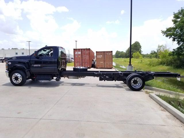 2019 Chevrolet Silverado Medium Duty Regular Cab DRW RWD, Cab Chassis #TC070191 - photo 2