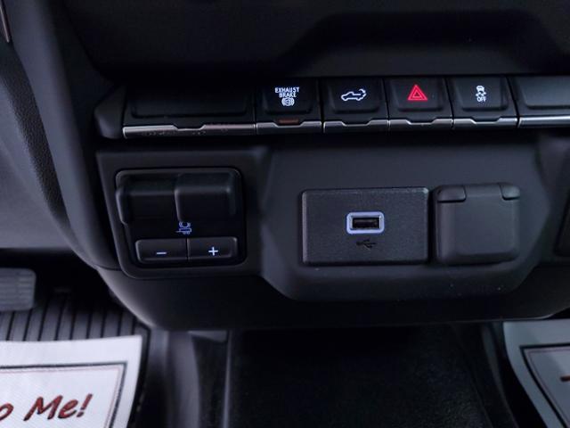 2020 Chevrolet Silverado 2500 Crew Cab 4x4, Warner Select Pro Service Body #TC070201 - photo 20