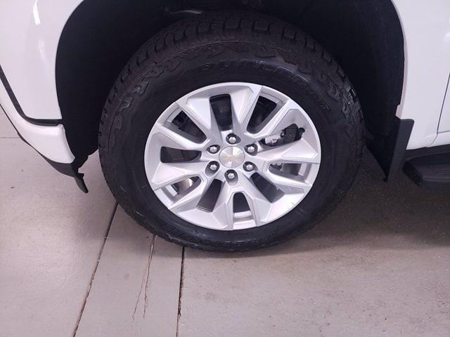 2021 Chevrolet Silverado 1500 Crew Cab 4x4, Pickup #TC070915 - photo 4