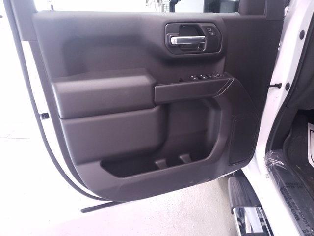 2021 Chevrolet Silverado 1500 Crew Cab 4x4, Pickup #TC070915 - photo 9