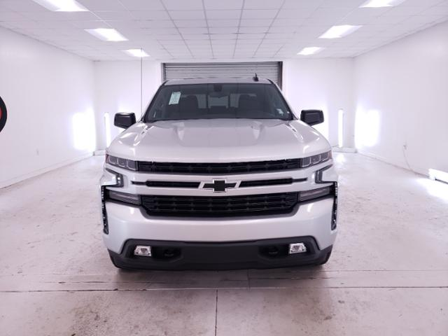 2020 Chevrolet Silverado 1500 Crew Cab 4x4, Pickup #TC071302 - photo 3