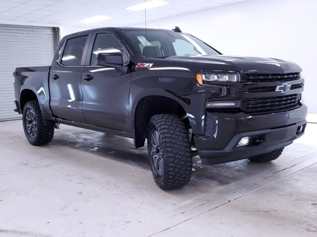 2020 Chevrolet Silverado 1500 Crew Cab 4x4, Pickup #TC072404 - photo 2
